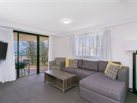3 Bedroom Ocean View - Mantra Coolangatta Beach